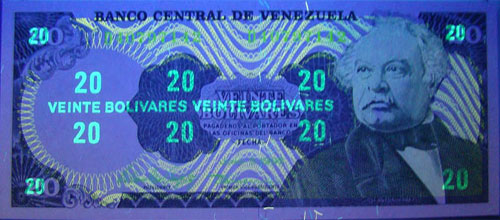 Piece bbcv20bs-fb03-d8 (Obverse, under ultraviolet light)