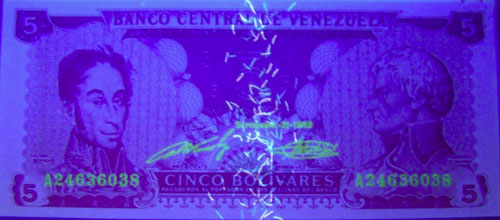 Piece bbcv5bs-bb01-a8 (Obverse, under ultraviolet light)